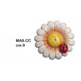 MA9CC_margherita_con_coccinella_9cm_ceramica_emmanueleregali_bombonieraperfetta