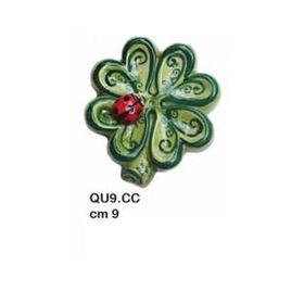 QU9CC_quadrifoglio_con_coccinella_ceramica_9cm_emmanueleregali_bombonieraperfetta